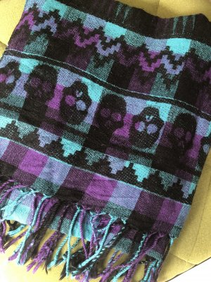 Bufanda de flecos lila