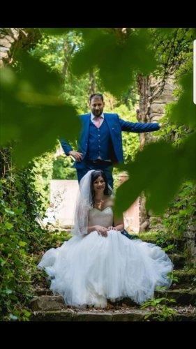 Tüll-Brautkleid mit blütenspitze