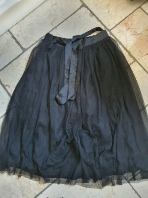 Falda de tul negro