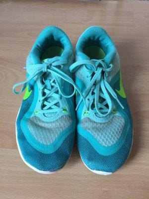Türkise Nike Training Schuhe