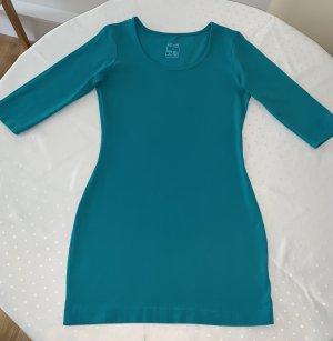 Türkisfarbenes Shirtkleid