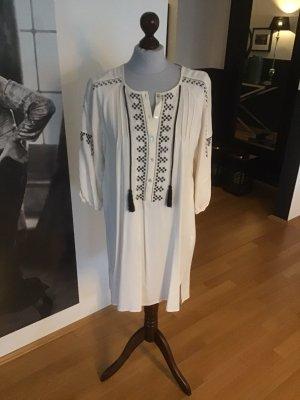 Zara Sukienka tunika w kolorze białej wełny-czarny