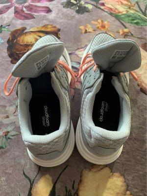 Turnschuh Laufschuh neu Adidas