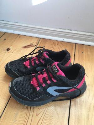 Turnschuh, Laufschuh, schwarz/pink