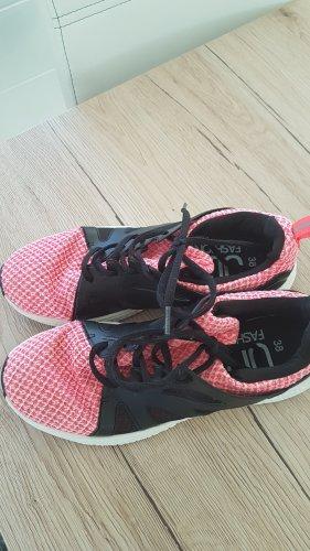 Scarpa stringata nero-rosa