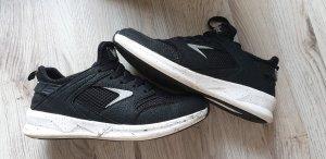 Turnschuhe / Sneaker / Sportschuhe Gr. 36