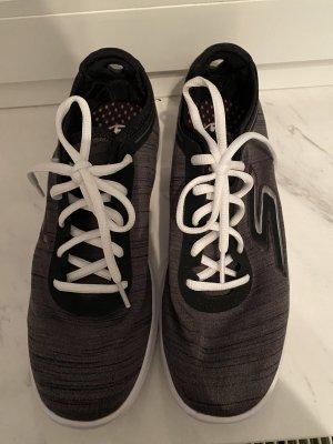 Turnschuhe / Sneakers Skechers Gr. 39