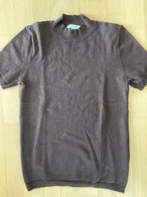 Turtleneck brown T-shirt