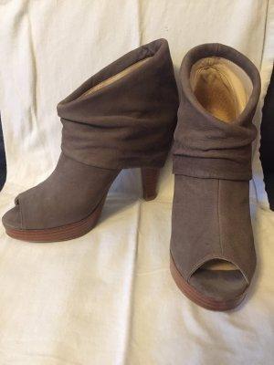 Tuva&Linn Peep Toe Booties beige-grey brown leather