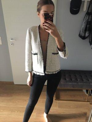 Tweed Jacke im Chanel Stil mit Perlen