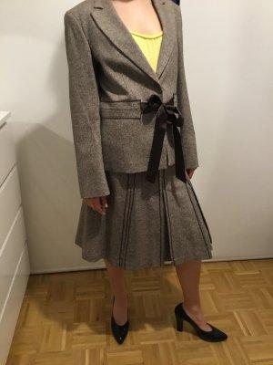 Tweed Kostüm von Caroll
