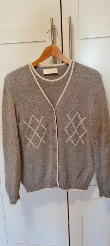 Ensemble en tricot gris clair