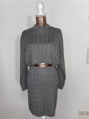 Two-Piece Pullover mit Rock