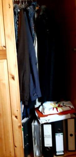 Udo's Kleiderschrank