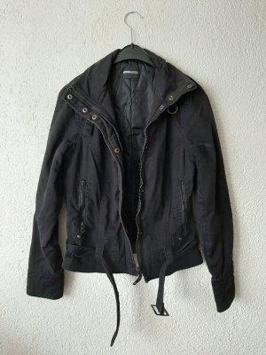 Übergangsjacke in schwarz