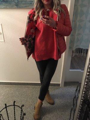 Giacca con cappuccio rosso