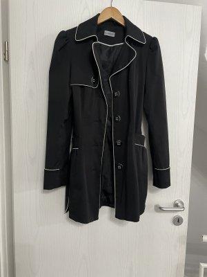 Übergangsjacke mit Gürtel schwarz/weiß