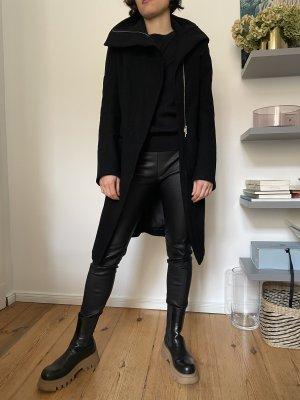 Ann Demeulemeester Between-Seasons-Coat black