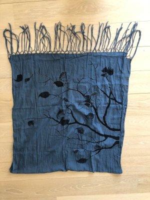 Übergroßer leichter Schal mit aufwendigem Print und Perlendetails