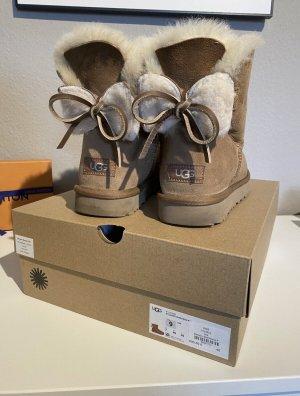 UGG Botas de nieve marrón-color bronce