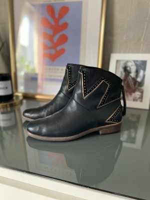 UGG Booties black-gold-colored