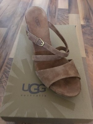 UGG Wedge Pumps brown leather