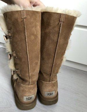 UGG Australia Bailey Button Triplet Boots Chestnut Top