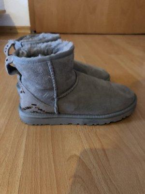 UGG Australia Boots - Classic Mini