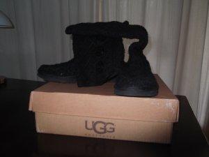 UGG Australia, Classic Cardy, schwarz, Gr. 39