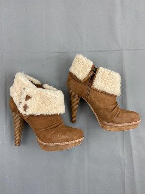 UGG AUSTRALIA Stiefeletten Gr. 40 Beige Camel Georgette Fell Boots
