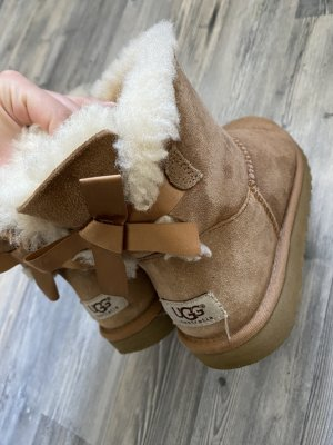 Ugg Bailey bow chestnut 37