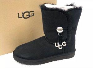 Ugg Bailey Button Charm