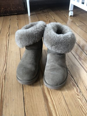 Ugg Bailly Button II NP: 215€