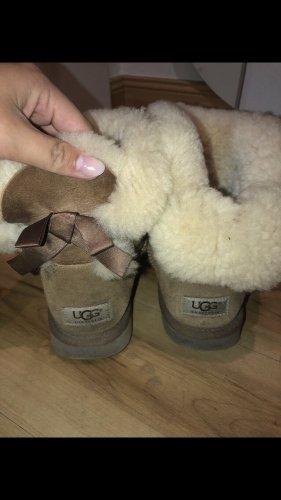 UGG Futrzane buty beżowy-camel