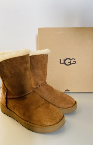 UGG Boot - Chestnut