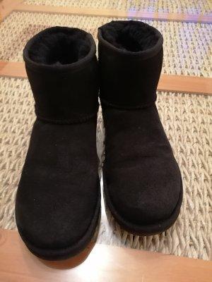 UGG Short Boots black