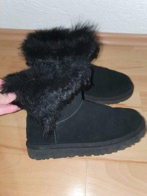 UGG Winter Booties black