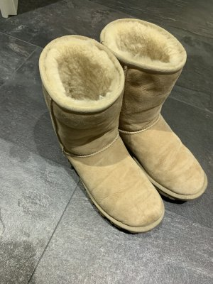 UGG Fur Boots cream-beige