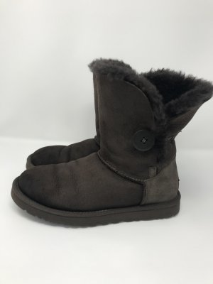 UGG Boots Bailey button brown 38