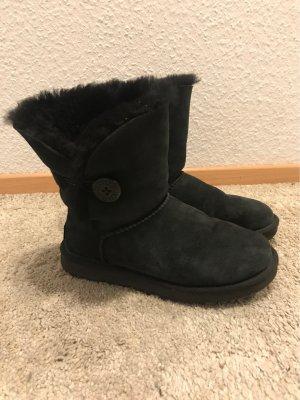 UGG Boots Bailey Button, Gr. 38, schwarz