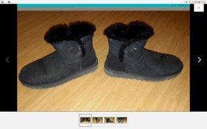 UGG Boots Bailey Button in schwarz in Größe 42