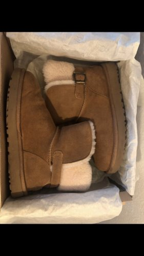 UGG Boots chestnut braun Stiefel