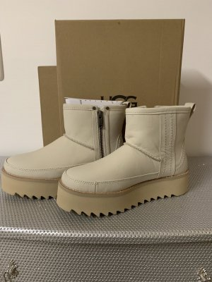 UGG Snow Boots cream leather