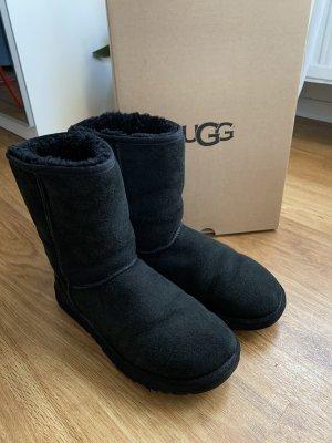 UGG Boots Classic Short schwarz