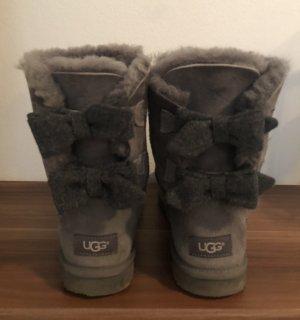 UGG Stivale da neve grigio