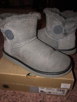 UGG boots Mini bailey button