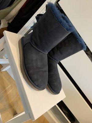 UGG Boots mit Schleife