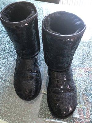 UGG Snow Boots black pelt