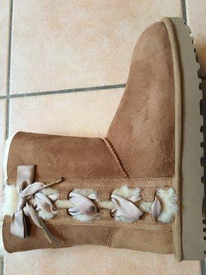 UGG Boots Pala chestnut Gr 41 *NEU* mit Etikett und Karton  Neupreis 250 €