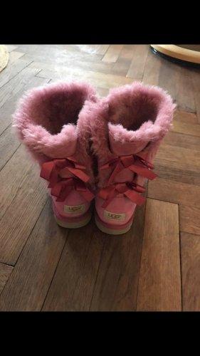 UGG Boots Pink mit Schleifen